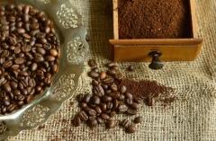 Café en grain ou café moulu : que choisir ?